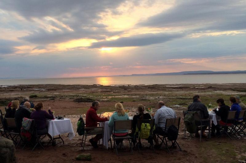 Dining on the ocean floor tourism nova scotia for Ocean floor description
